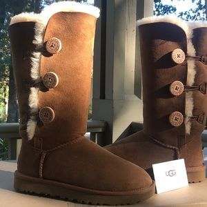 Ugg Bailey Button Triplet II -Chestnut ❤️